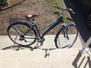 Schwinn Women city bike
