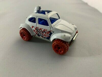 Hot Wheels - Volkswagen Baja Beetle HW Stunt Team - Diecast Collectible - 1:64