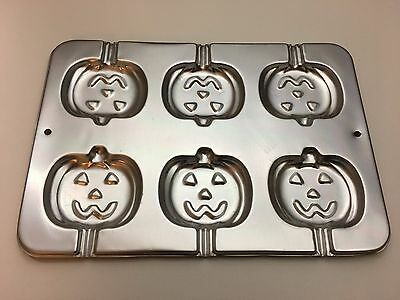 Wilton Pumpkin Cookie Cake Pop Baking Treat Pan Halloween Jack o' Lantern 1995](Halloween Cake Pop Pans)