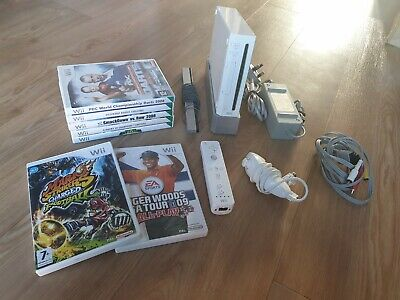 NINTENDO WII CONSOLE WITH 7 SPORTS GAMES GOLF/DARTS/FOOTBALL ECT CONTROLLER+LEAD