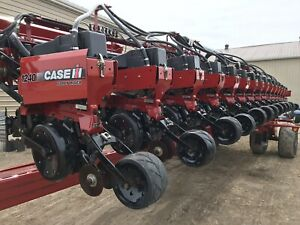 CASE IH 1240 16 ROW PLANTER, PNEUMATIC DOWN PRESSURE/ROW CLUTCH