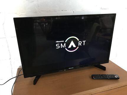 """Hisense HD LED 32"""" SMART TV. (EUC) HDMI / USB. Remote"""