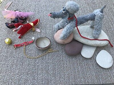 Vintage BARBIE DOLL clothing  DOGS N DUDS # 1613 . Almost complete set from 1964