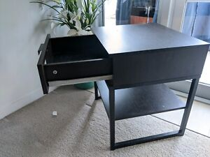Moving sale: set of 2 bedside tables