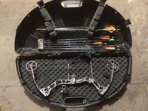 Quest G5 compound bow