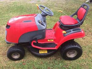 Cox 17 horsepower ride on mower Mount Mee Caboolture Area Preview