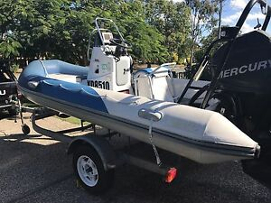Swift 4.5 Inflatable centre console Cleveland Redland Area Preview