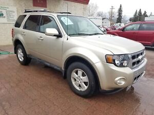 * 2010 FORD ESCAPE LIMITED AWD, 6 MONTH WARRANTY & INSPECTION LI