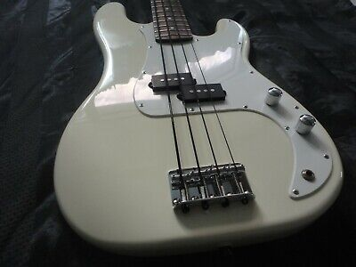RARE 2002 Fender Squier Affinity 20th Anniversary cream Precision P bass guitar