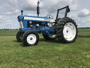 Ford 5000 Diesel Tractor , Attachments , ONLY $5000 !!