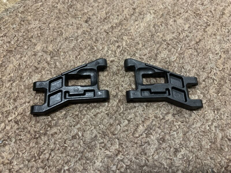 Associated RC10 Black Front WIDE TRACK ARMS  6206