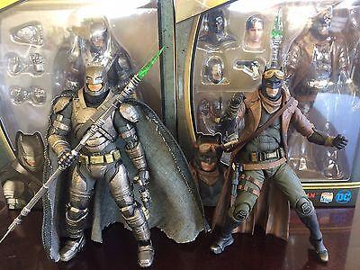 Medicom Toy Mafex Armored   Knightmare Batman Vs Superman Dawn Of Justice Figure