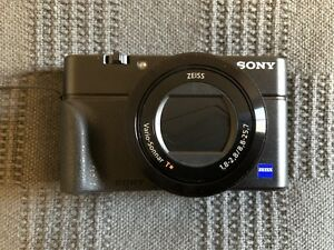 Sony RX100iv w/ 3 batteries and case