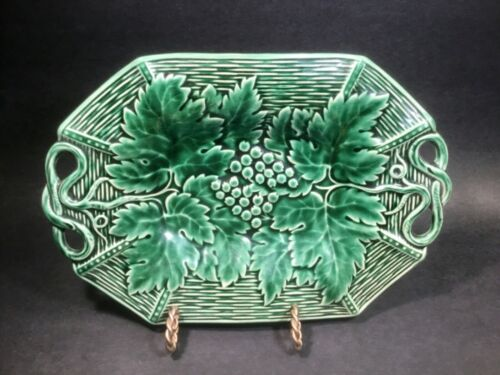 French Majolica Leaves & Berries on Basketweave Platter