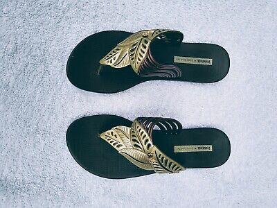 Ladies Ipanema Gisele Bundchen Toe Post Sandals Size 6