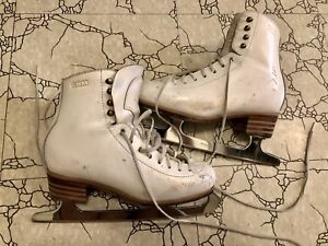 Gam freestyle figure skates size 6