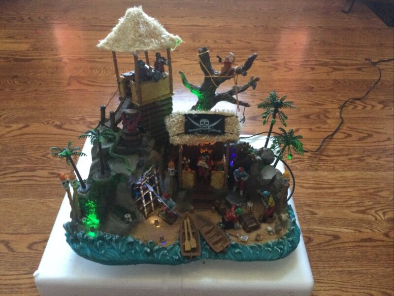 LEMAX Spooky Town Pirates Hideout Used Works Excellent