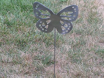 Metal Yard Flowers (Beautiful Butterfly Garden yard art metal stake flower insect bug)