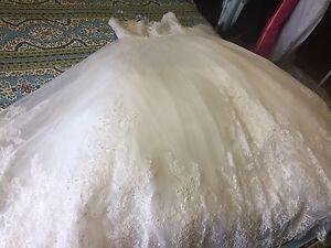 Off-white Wedding dress size 14-16