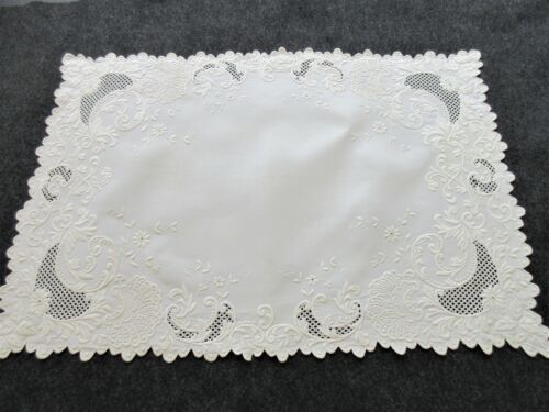ANTIQUE LINEN WITH HEAVY PADDED EMBROIDERY TABLE CENTER PIECE