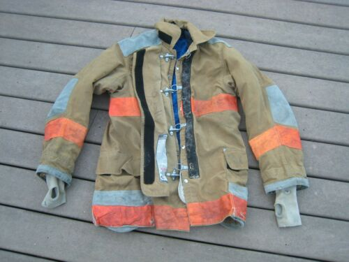 VINTAGE! JANESVILLE LION APPEARAL FIRE FIGHITNG FIREMAN PROTECTIVE GARMENT COAT
