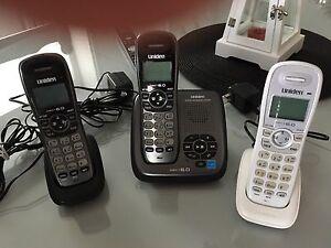 Téléphone sans fils à 3 combinées