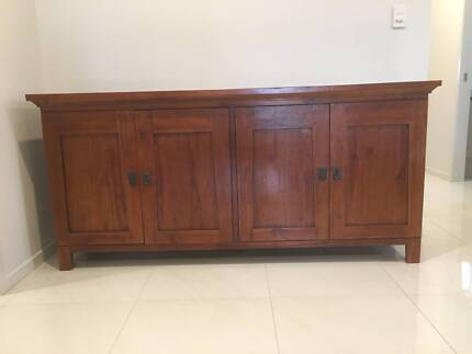 Buffet - solid timber (4 doors + 2 draws)