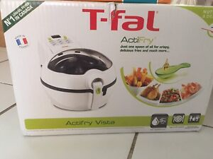 Selling brand new never used T-fal Actifry Vista