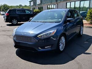 2018 Ford Focus Titanium LEATHER/BACK UP CAM/HEATED SEATS/BLU...