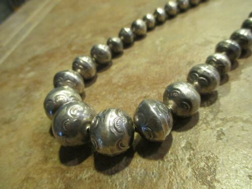 """15 1/2""""  OLD PAWN Navajo Graduated Sterling PEARLS Bench Made Bead Necklace"""