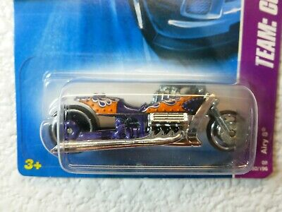 Rare CHROME ENGINE 2008 Hot Wheels AIRY 8 (Team: Custom Bikes)