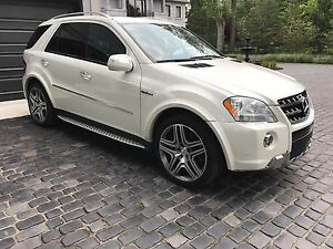2010 ML63 mint condition A1