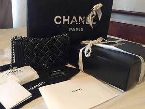 Authentic Like New Chanel Boy Old Medium Hackett North Canberra Preview