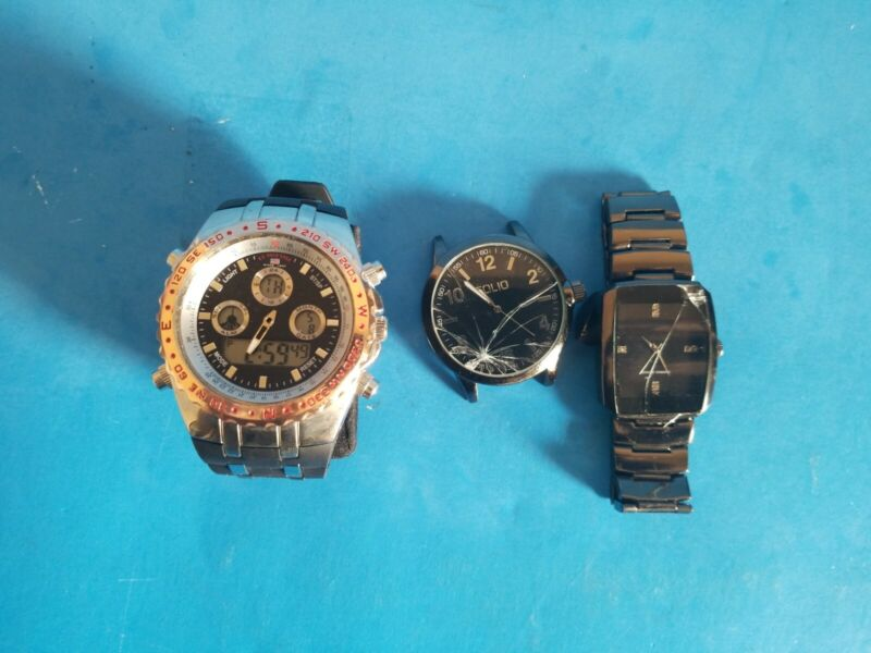 3 NICE WORKING MEN WATCHES SOLD FOR PARTS OR REPAIR.CHECK PHOTOS & READ DESCRIPT