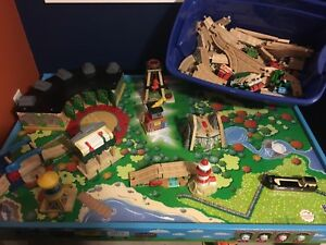 Thomas the tank engine table, track and cars.