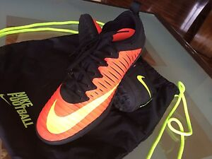 Men's Superfly Mercurial V indoor and turf.
