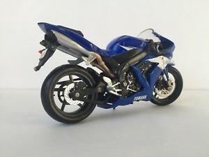 Diecast yamaha YZF-R1 motorcycle 1:12 scale