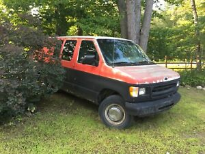 2000 Ford E-250 Extended
