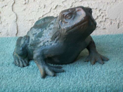 VINTAGE LARGE HEAVY METAL CAST IRON FROG TOAD MADE IN JAPAN DOORSTOP YARD ART