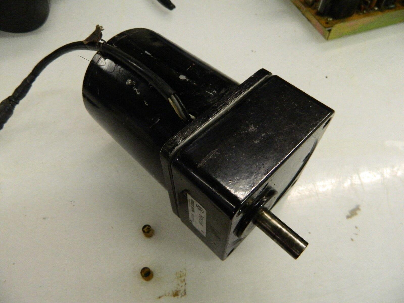 Used 100V Oriental Motor 5TK20GK-A Motor w// 5GK15K Gear Box 20W WARRANTY