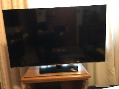 "Samsung LED Smart TV UN32h5500AF 32"" 1080p Excellent Condition LOCAL PICKUP ONLY"