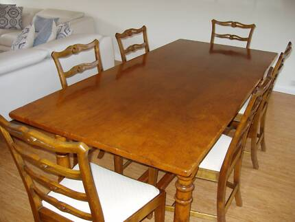 Hardwood Oak Dining Table And Chair Set