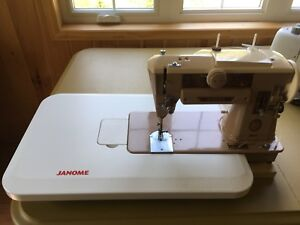 Singer 401A Sewing Machine w/Case and Extension Table- $170