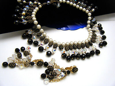 Krone Trifari Halskette und Ohrring Set Schwarz Weisse Kristalle Perlen (Schwarze Und Weiße Krone)