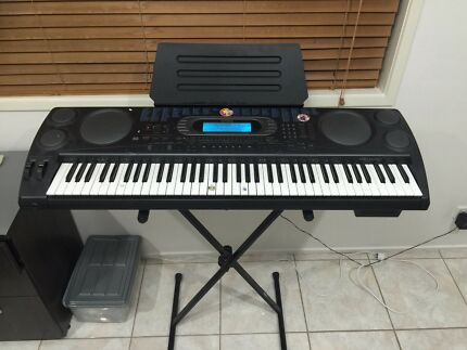 Casio keyboard WK -1600 and stand
