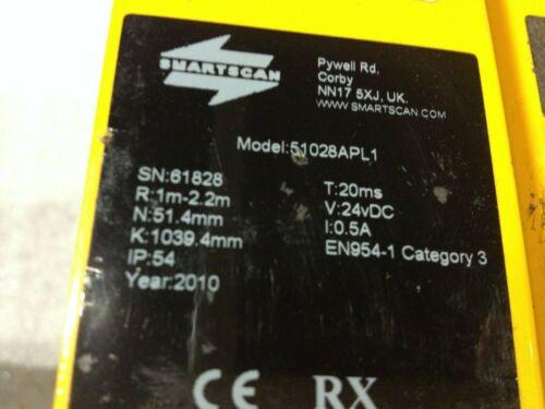 SMARTSCAN Model 51028APL1 Light Curtain Transmitter & Receiver No cords included