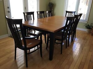 SOLID MAPLE MENNONITE MADE HARVEST TABLE WITH 8 ATHENA CHAIRS