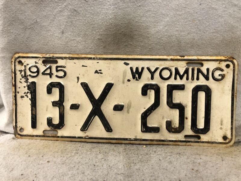 Vintage 1945 Wyoming License Plate