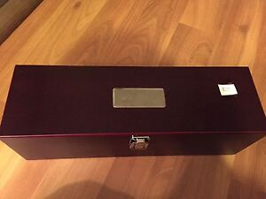 INFINITI motors collectable wine kit tools