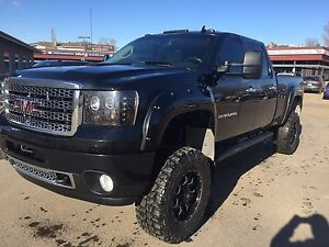 2011 SIERRA 2500HD DENALI **DURAMAX, LIFTED**